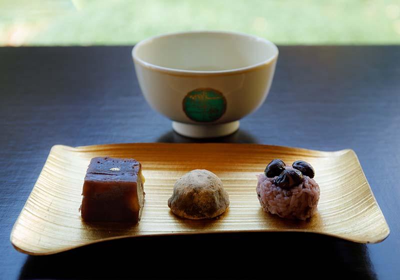 伝統和菓子「有楽」と抹茶