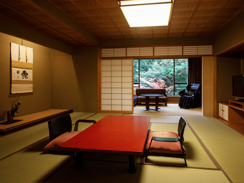 Japanese style room with open air Kinsen bath