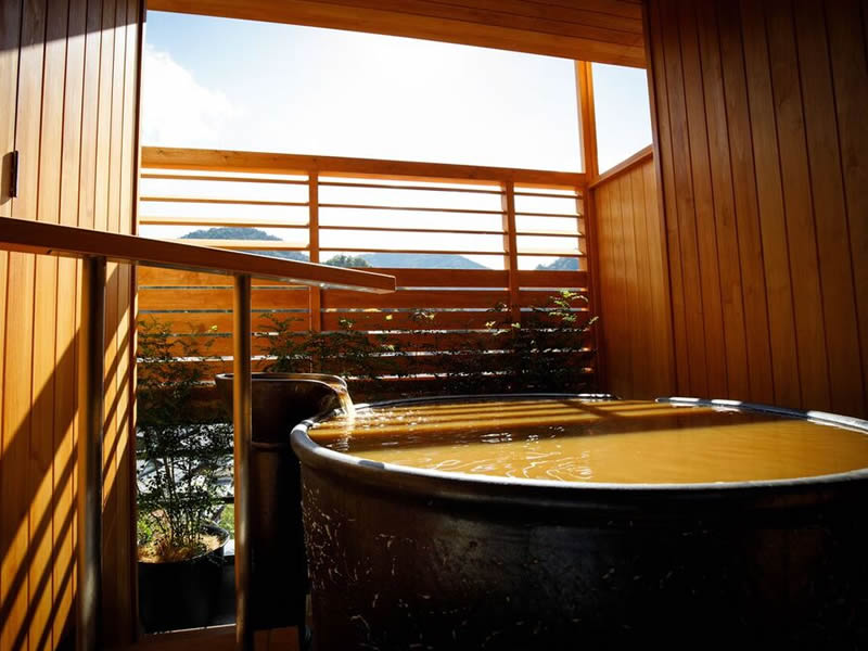 Japanese Modern Deluxe room with open air bath (KINSEN)